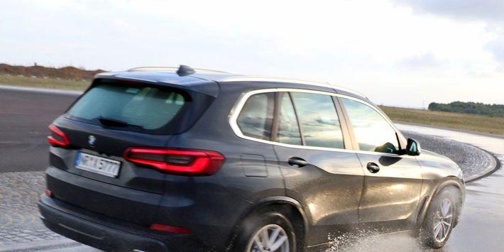 4WD en SUV zomerbandentest: Auto Bild voert een vergelijkende test van 4WD banden uit onder de BMW X5